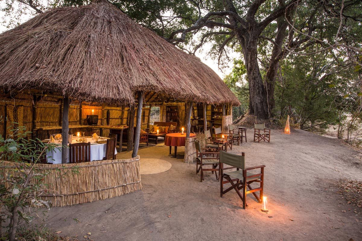 Mwaleshi sitenje / dining area