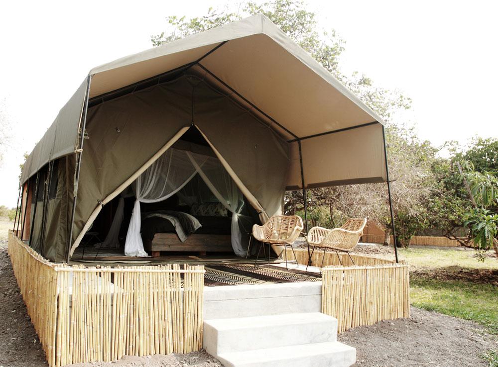 https://www.remoteafrica.com/wp-content/uploads/2019/07/Shoebill-camp-tent.jpg